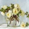 Белый майский букет