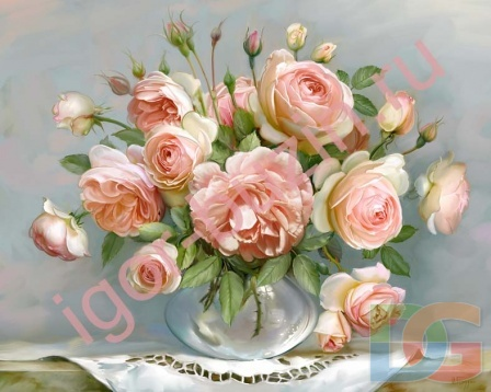 Розы на столике